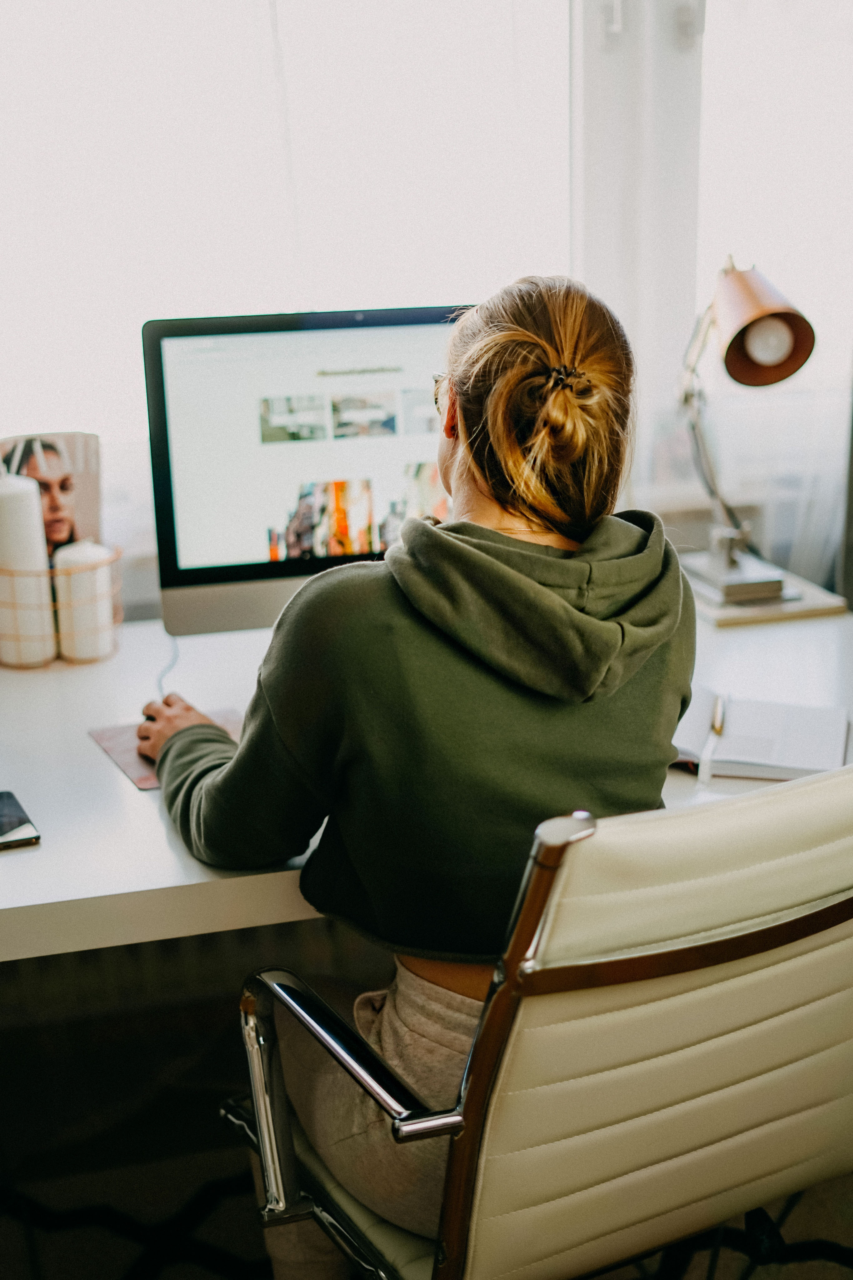 Karriere Tipps Erfolgreich Arbeiten im Home Office Businesswoman Karrierefrau Business Tipps Dos Donts Home Office Regeln 9