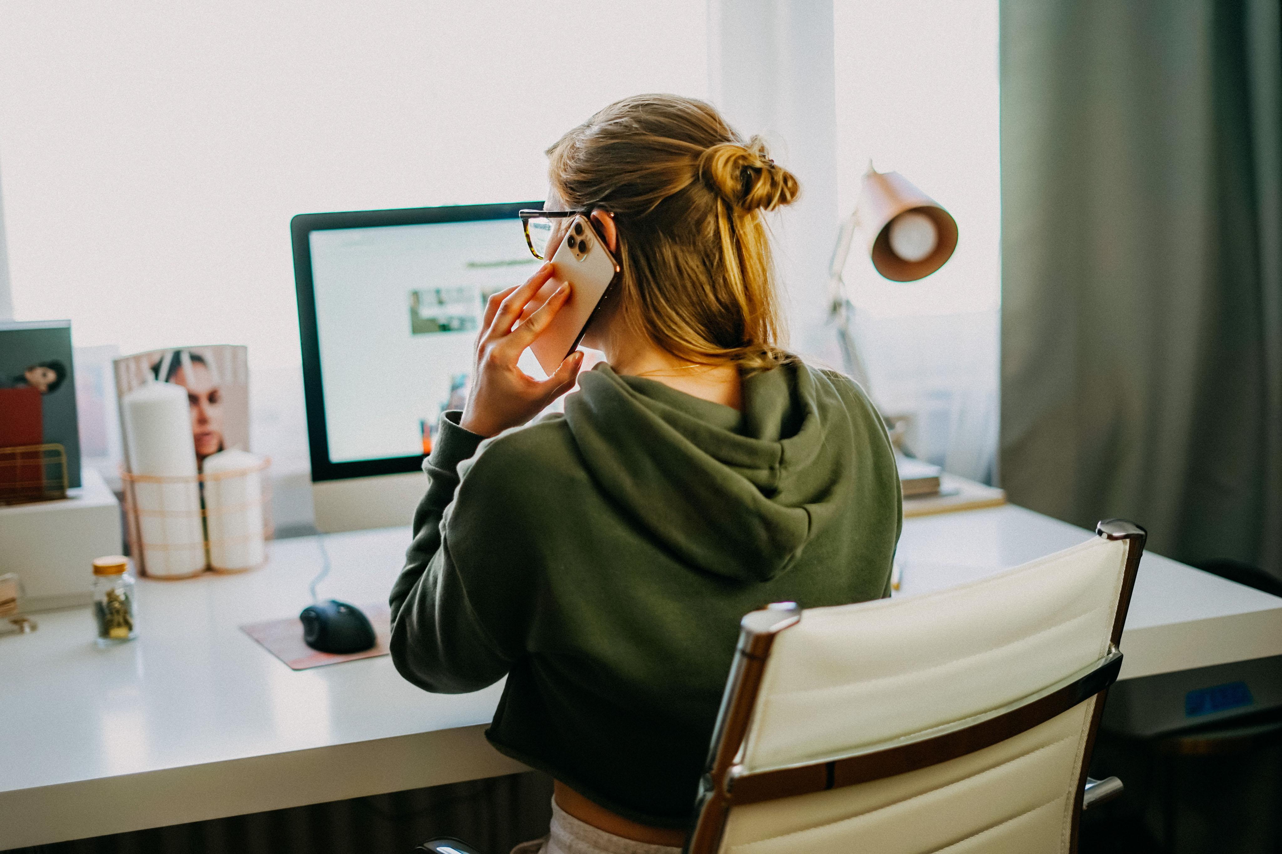 Karriere Tipps Erfolgreich Arbeiten im Home Office Businesswoman Karrierefrau Business Tipps Dos Donts Home Office Regeln 92
