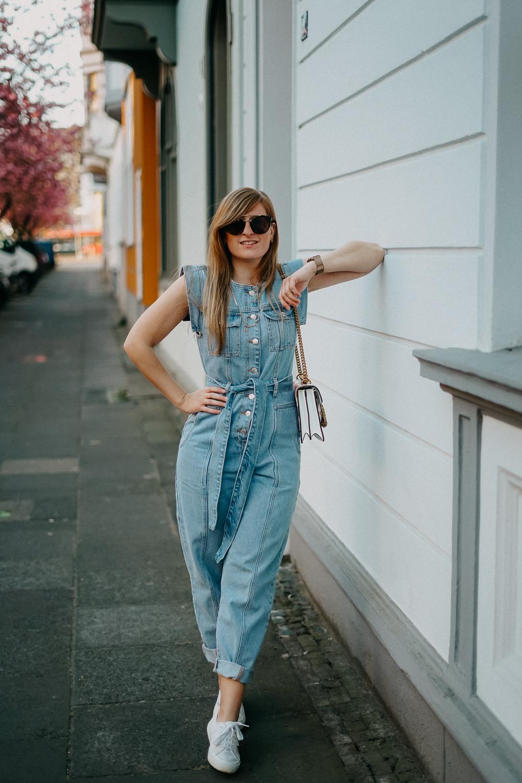 Jeans Jumpsuit Frühlingstrend 2020 Frühlingsoutfit Modeblog Bonn Fashionblog Deutschland Trend Report 2020 1
