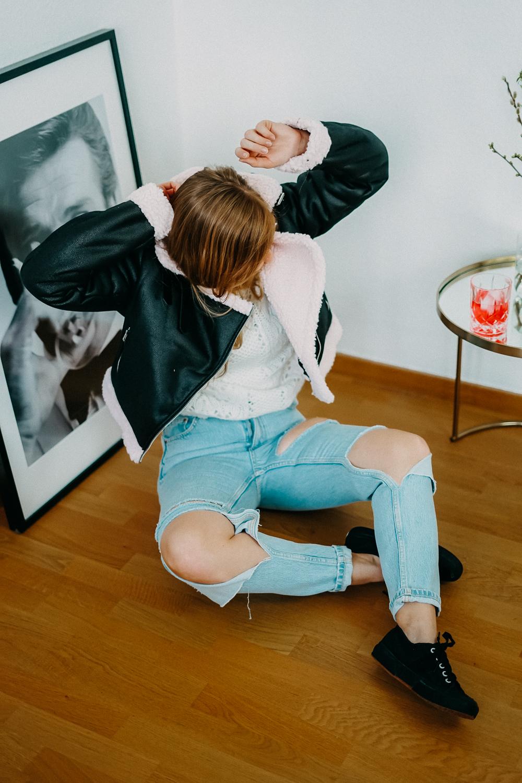 Modeblog Brinisfashionbook Fashion Blog Deutschland Umzug Gedanken Ripped Jeans Aviator Jacke 6