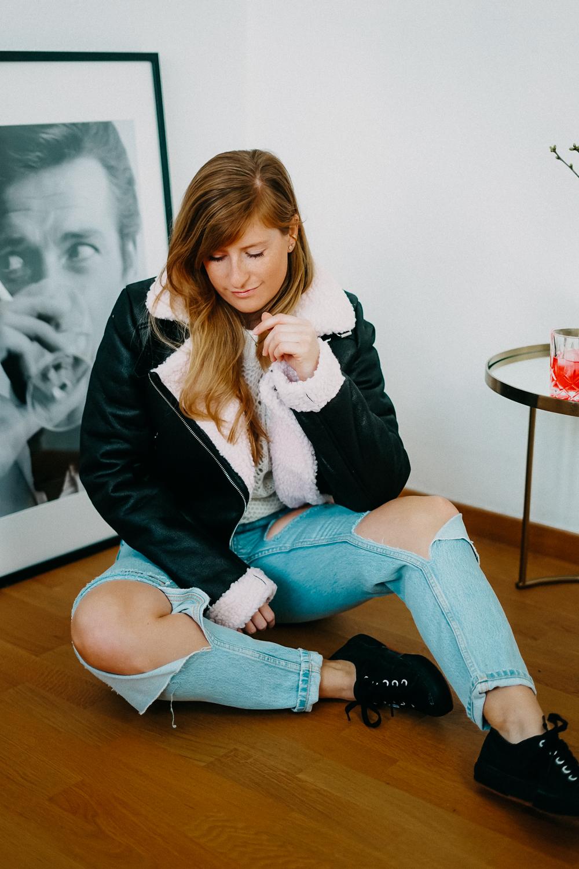 Modeblog Brinisfashionbook Fashion Blog Deutschland Umzug Gedanken Ripped Jeans Aviator Jacke