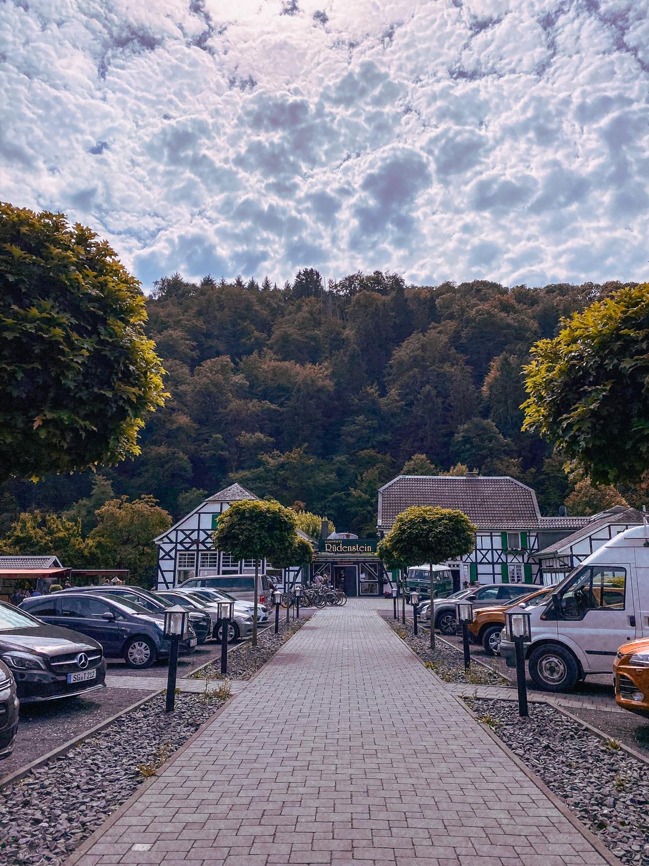 Haus Rüdenstein Wandern im Bergischen Land NRW Rundwanderweg Rüden Wanderroute Deutschland Wupper Reiseblog 3