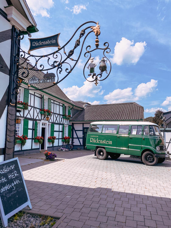 Haus Rüdenstein Wandern im Bergischen Land NRW Rundwanderweg Rüden Wanderroute Deutschland Wupper Reiseblog 4