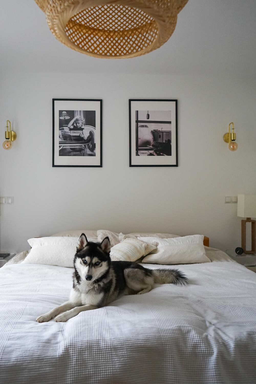 Schlafzimmer Ideen Inspiration Schlafzimmer gestalten skandinavisch Pendelleuchte Bambus Leinenbett
