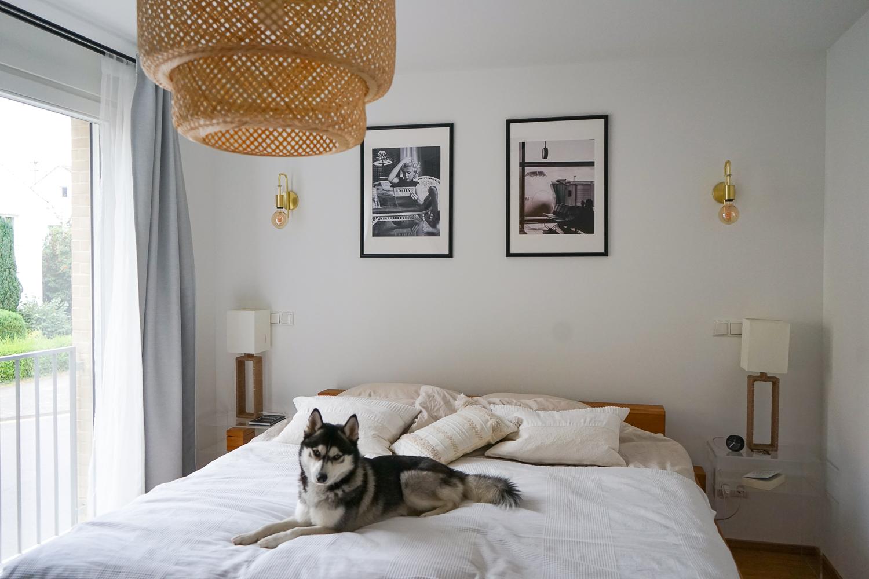 Schlafzimmer Ideen Inspiration Schlafzimmer gestalten skandinavisch Pendelleuchte IKEA SINNERLIG Bambus 2