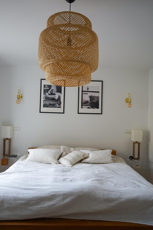 Schlafzimmer Ideen Inspiration Schlafzimmer gestalten skandinavisch Pendelleuchte IKEA SINNERLIG Bambus
