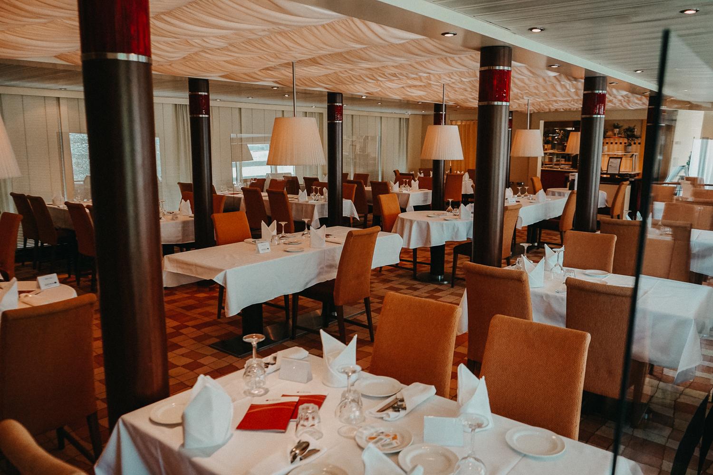 AROSA Flusskreuzfahrt Frankreich A-rosa Bella Restaurant Dinner Pärchenurlaub Rhône Saône