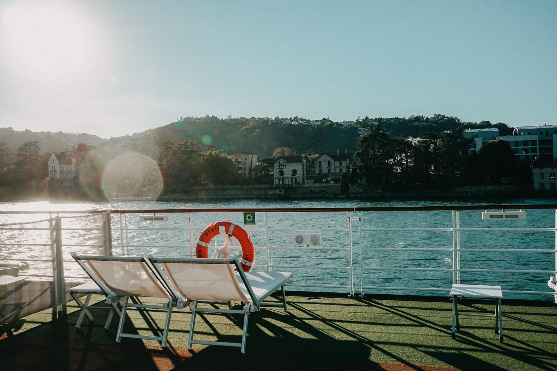 AROSA Flusskreuzfahrt Frankreich A-rosa Bella Schiff Deck Sonnenliege Urlaub Tipps Rhône Saône entdecken
