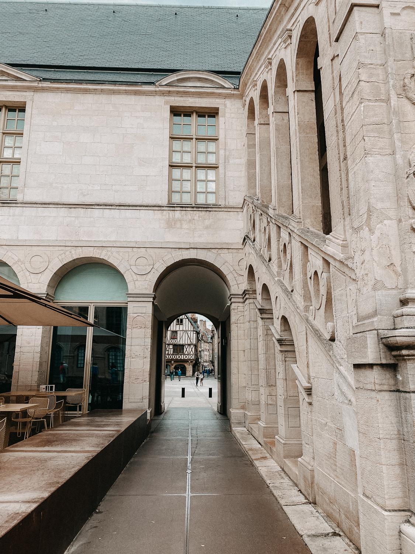 AROSA Flusskreuzfahrt Frankreich Ausflug Dijon Palast Dijon Tipps Sehenswürdigkeiten