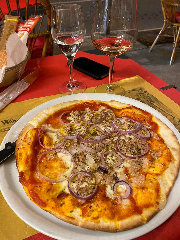 Comer See Restaurant Tipps Tremezzo Red & White Restaurant italienisch Essen Reiseblog Tonno Pizza