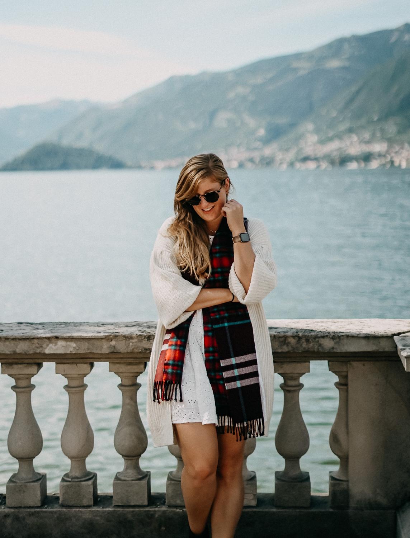 Herbstlook Cardigan Burberry Schal Karo Modeblog Bellagio Herbst Outfit 7