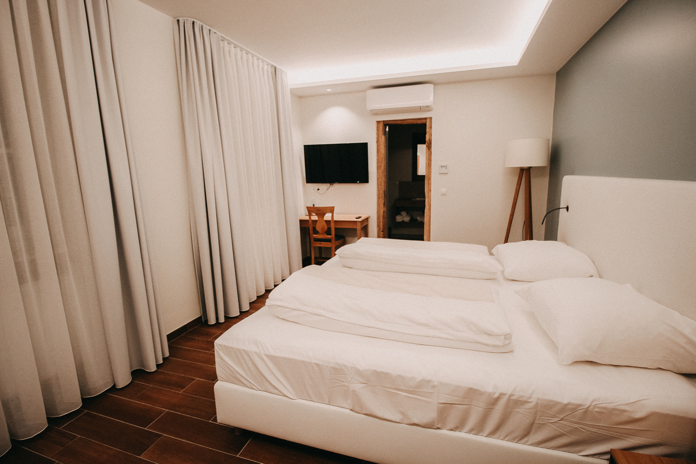 Reisen mit Hund Wochenendtrip Deutschland mit Hund Landidyll Hotel Doppelzimmer Premium Schlafzimmer Reiseblog 3