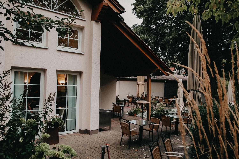 Wochenendtrip Deutschland Landidyll Hotel Klostermühle Terrasse Pfalz Wellnesshotel Reiseblog Deutschland