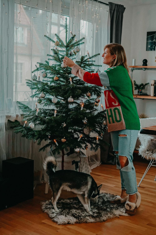 Weihnachtsoutfit Weihnachtspullover Christmas Sweater Oversized Pomsky Weihnachtsbaum
