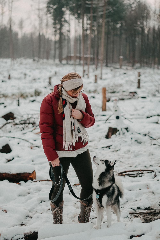 Winterwanderung Siebengebirge Winterlook Wanderlook Schnee Pomsky Fashion Blog Deutschland 1