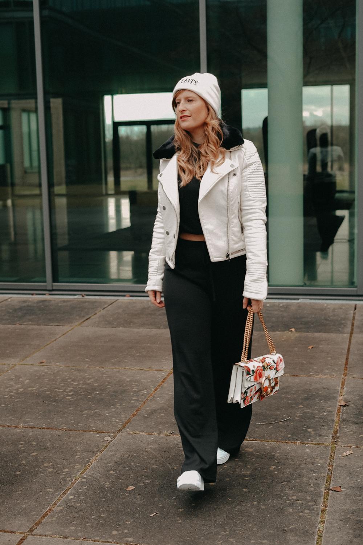 How to style Jogger Streetwear Home Wear Streetstyle kombinieren Modeblog Bonn Outfit 10