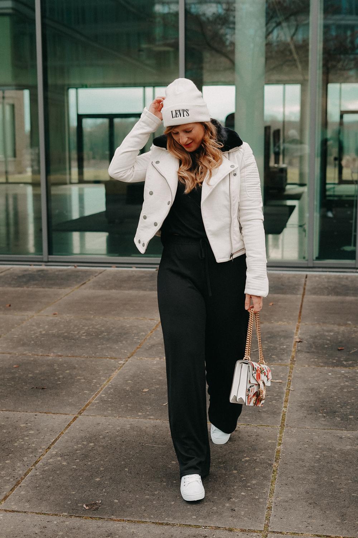 How to style Jogger Streetwear Home Wear Streetstyle kombinieren Modeblog Bonn Outfit 3