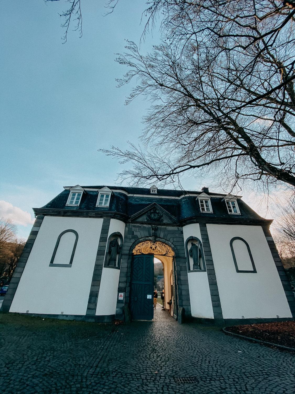Bonn Wanderungen Beste Wanderroute Oberdollendorf Kloster Heisterbach Ausflug NRW Reiseblog