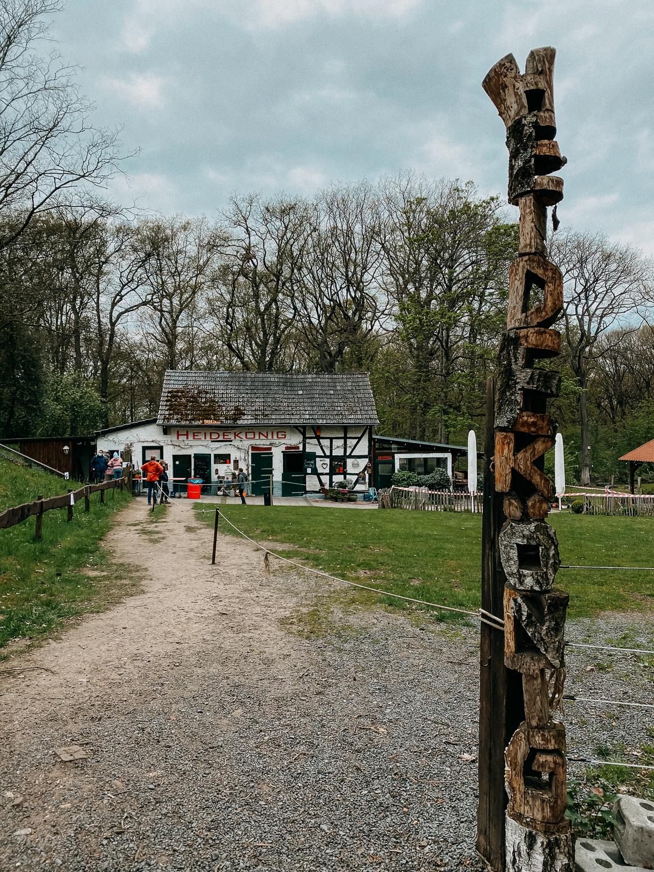 Wanderung Bonn Waldwirtschaft Heidekönig Wahner Heide Wanderroute Reiseblog Wandern Ausflug NRW