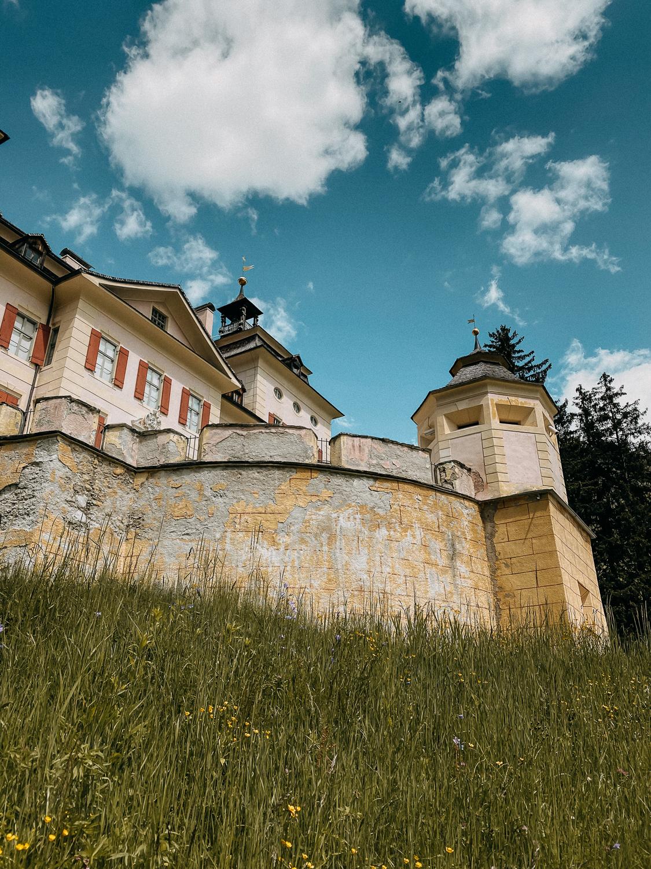 Urlaub Südtirol Tipps Wanderung beste Ausflüge Schloss Wolfsthurn Klamm Wanderung Reiseblog