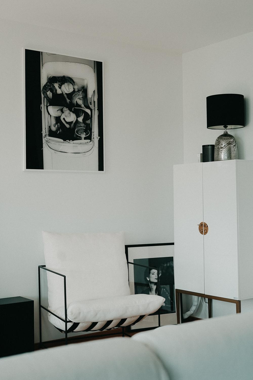Posterlounge Schwarz Weiß Fotografie Acrylglas Bilder Wohnzimmer Interior Scandinavian Design Westwing Sessel