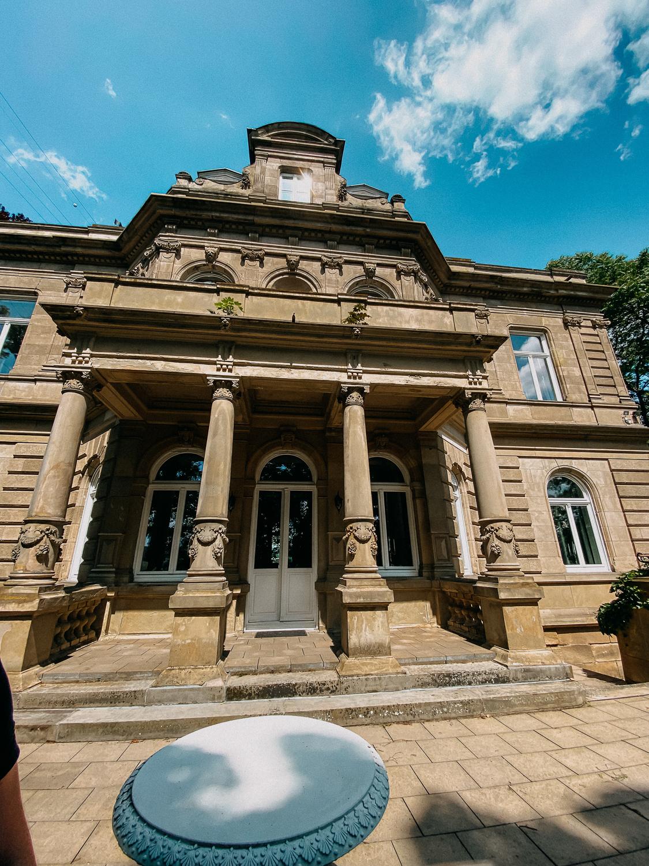 Hochzeitslocation NRW Villa Kalles Hochzeit Bonn Tisch Deko Hochzeit 3jpg