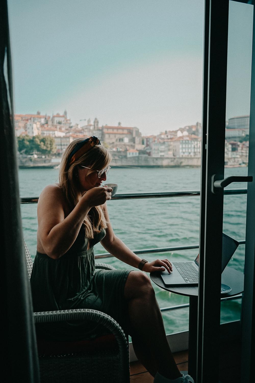 A-ROSA ALVA Flusskreuzfahrt Douro Portugal Reiseblog Suite Zimmer Ausblick Balkon Porto Tipp 2