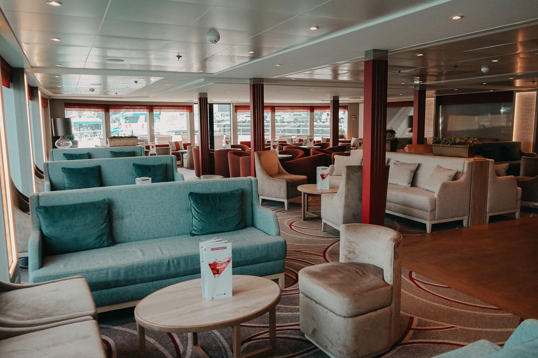 A-ROSA Flusskreuzfahrt Douro Portugal Bar Lounge Reiseblog