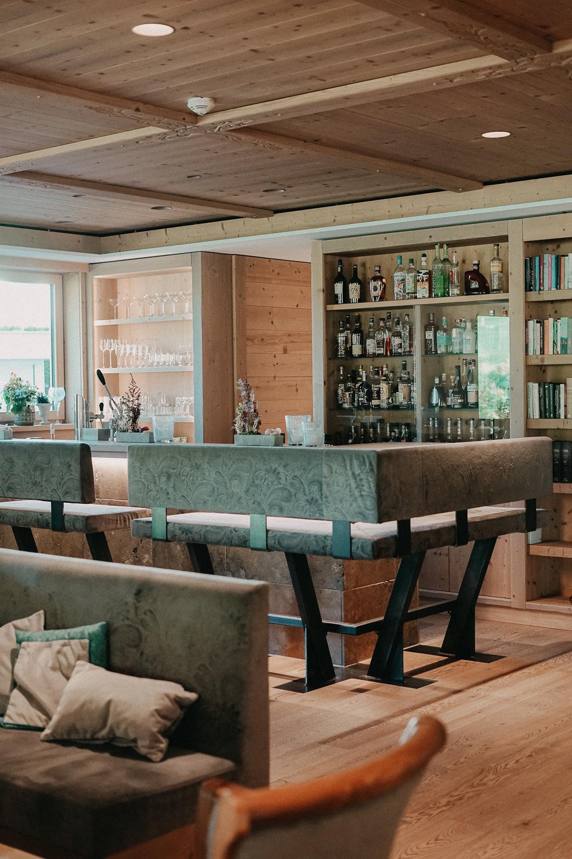 Thierseerhof Wellnesshotel Kufsteinerland Lounge Bar Österreich Reiseblog