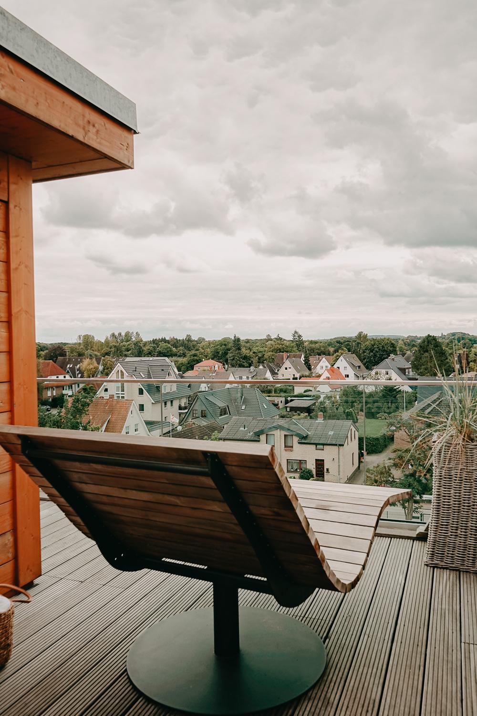 Panoramasauna Bereich Liege Wellnesshotel Ostsee Lifestyle Hotel SAND Timmendorfer Strand.